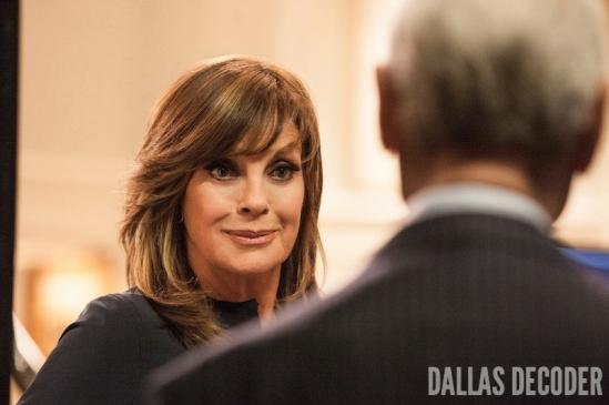 Dallas, J.R. Ewing, Larry Hagman, Linda Gray, Sue Ellen Ewing, TNT, Venomous Creatures